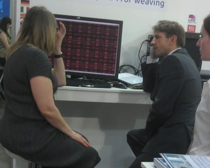 demonstrating ArahWeave